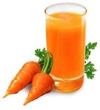 Сок тертой моркови поможет успокоить раздраженную кожу при экземе